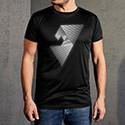 Abbildung eines schwarzen Sport T-Shirts mit reflektierendem Motiv für Herren